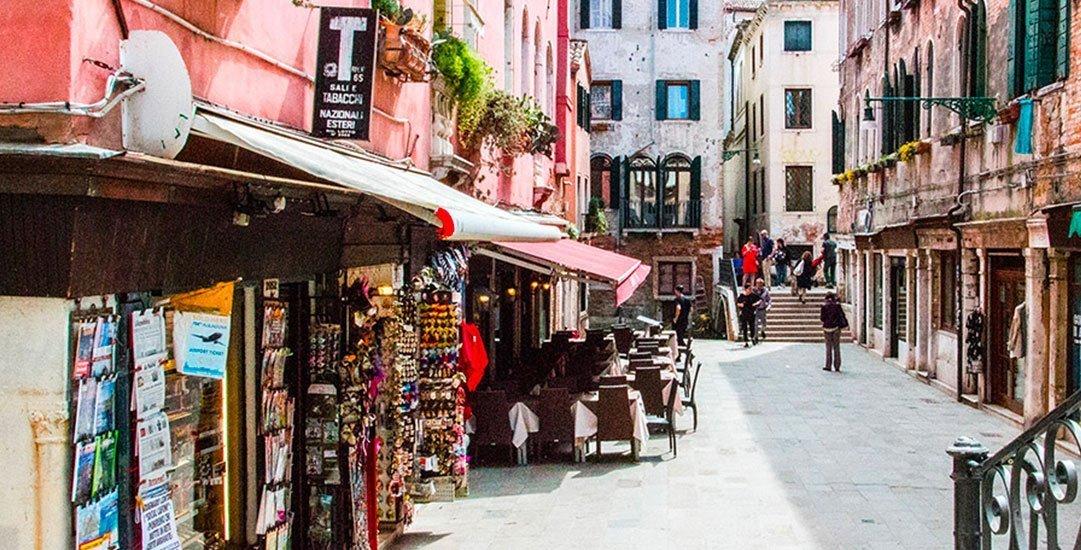 Buy Vaporetto Tickets in Venice