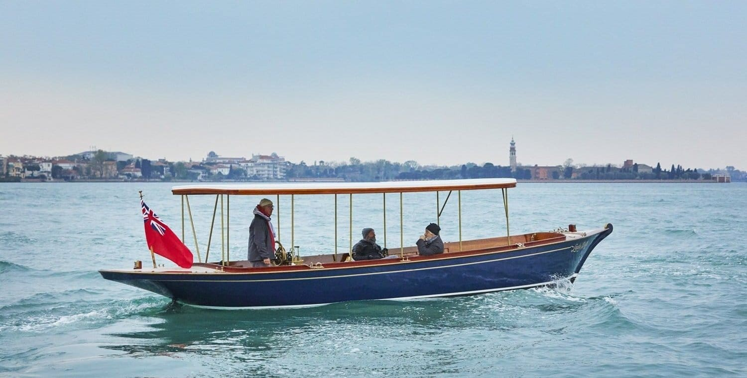 Boat Tour with Vintage Boat for San Valentine's 2020